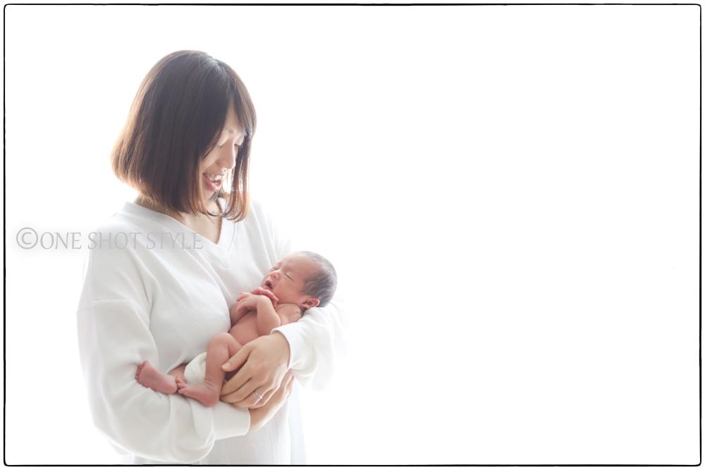 女性カメラマン 出張撮影 愛知 名古屋 ニューボーンフォト 新生児 家族写真 赤ちゃん